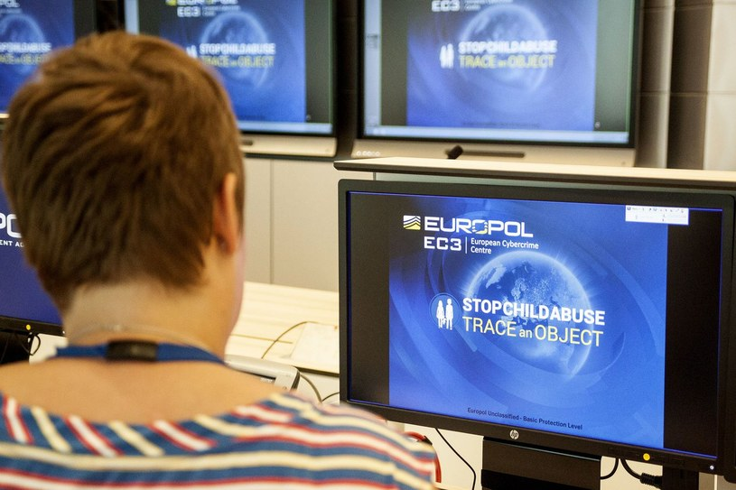 Europol ostrzega przed oszustam /AFP