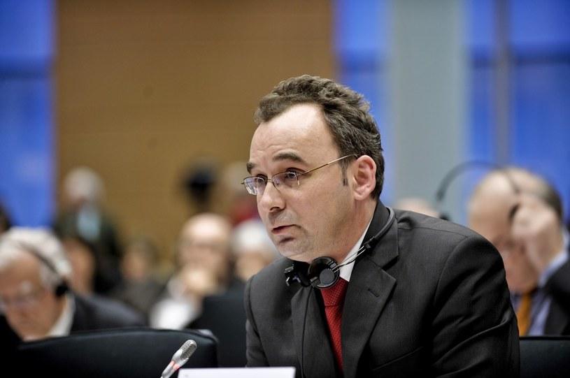 Europosel Filip Kaczmarek w czasie obrad Parlamentu Europejskiego /East News