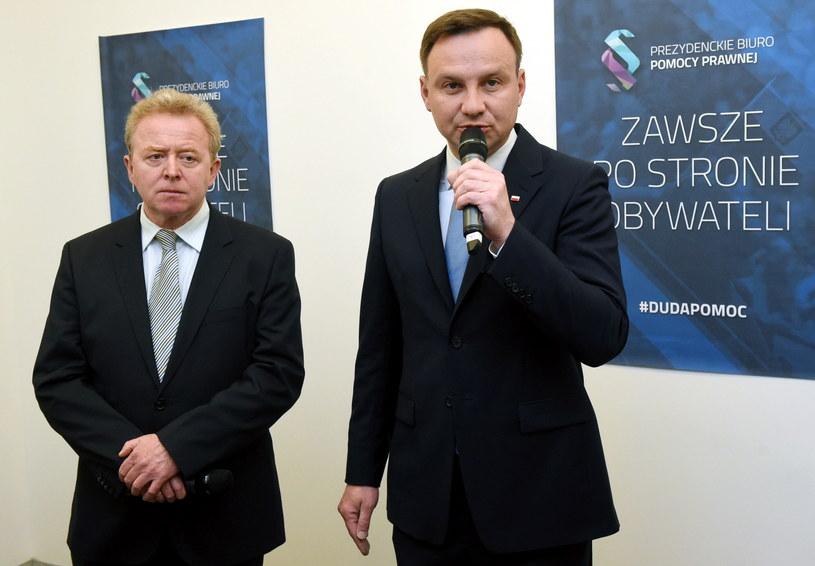 Europoseł Janusz Wojciechowski  towarzyszy Andrzejowi Dudzie /Radek Pietruszka   (PAP) /PAP