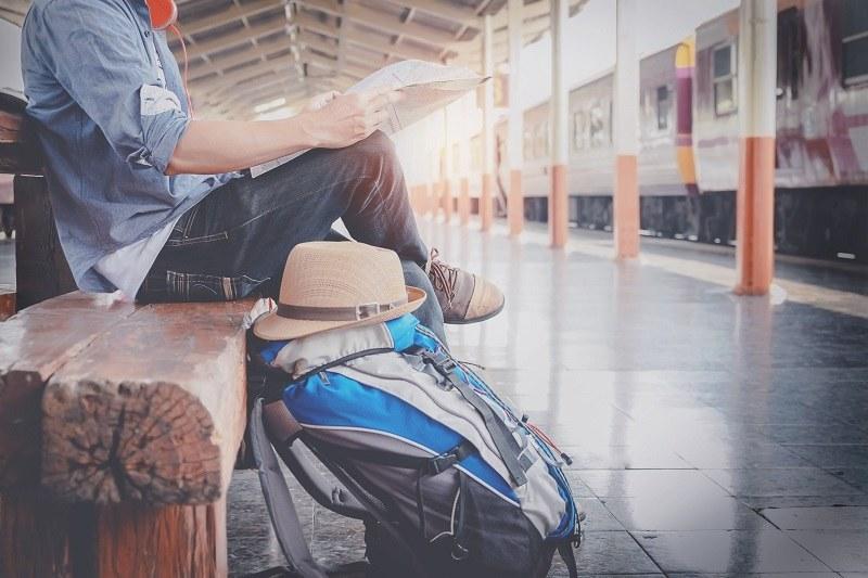 Europosłowie planują wyposażyć w bilet każdego 18-latka z obywatelstwem Unii /123/RF PICSEL