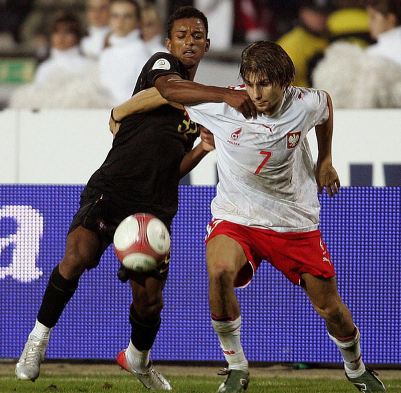 Euzebiusz Smolarek dał się we znaki Portugalczykom /AFP