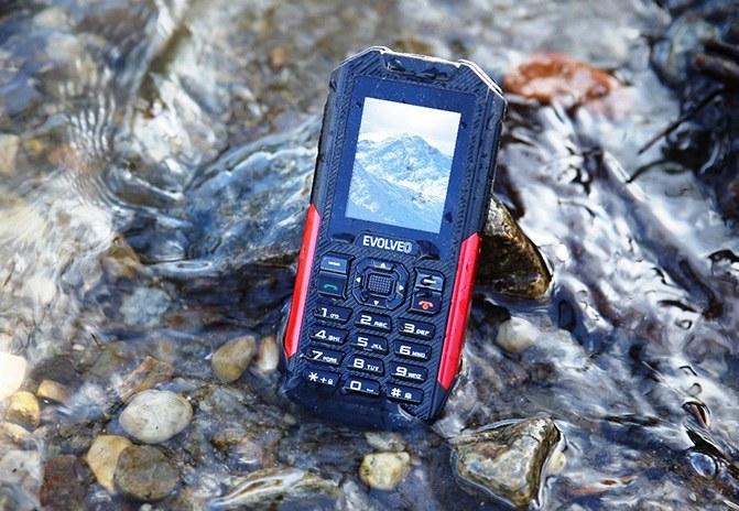 Evolveo wprowadza nowy wytrzymały telefon /materiały prasowe