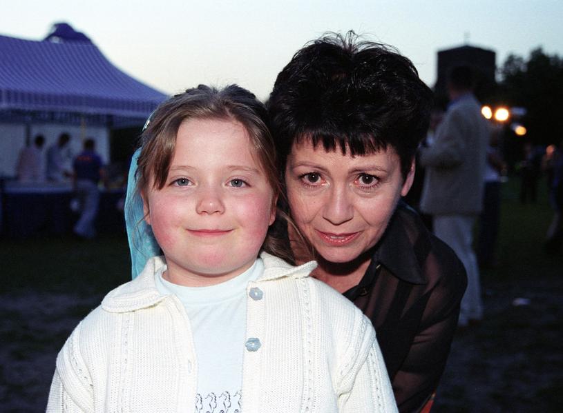 Ewa Bem z córką Gabrielą, 2002 r. /Tricolors /East News