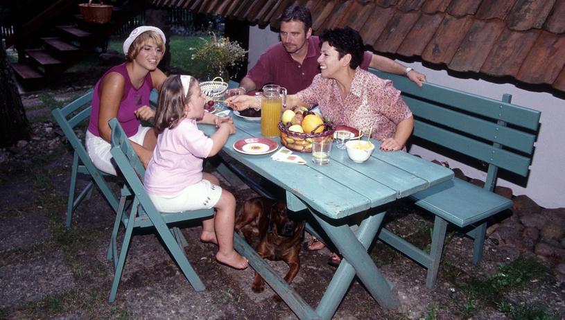 Ewa Bem z rodziną, ok. 2000 r. /Michał Hetmanek /Reporter