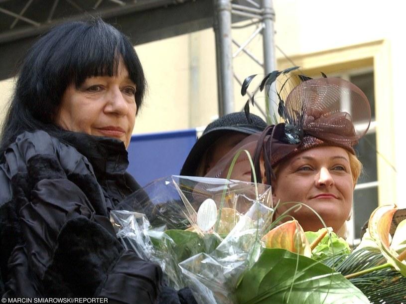 Ewa Demarczyk - królowa polskiej sceny, której unika od wielu lat /Marcin Smiarowski/ REPORTER /East News