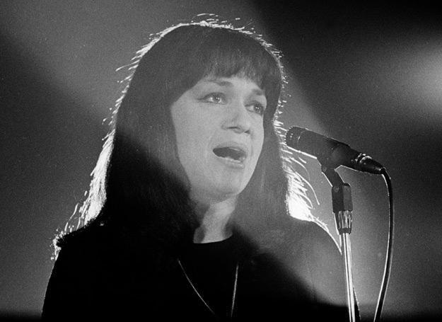 Ewa Demarczyk na Festiwalu w Sopocie (1970) - fot. Aleksander Jałosiński /Aleksander Jałosiński /Agencja FORUM