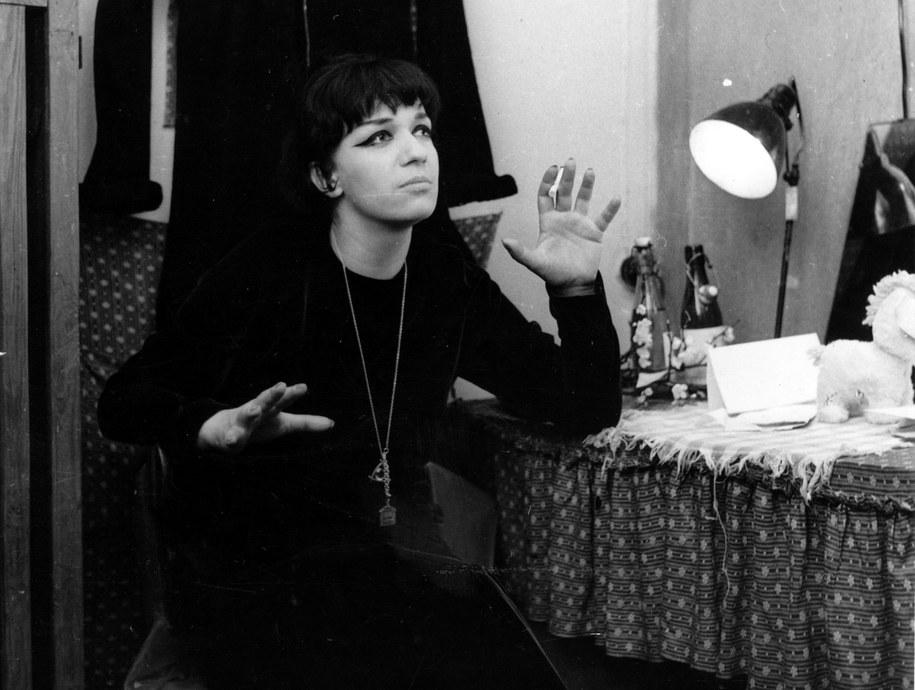 Ewa Demarczyk na zdjęciu z 1967 r. /CAF-Henryk Rosiak /PAP