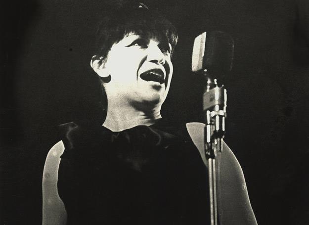Ewa Demarczyk nazywana jest Czarnym Aniołem polskiej piosenki /AKPA