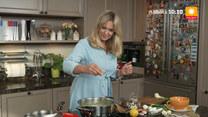 Ewa gotuje: Zupa szpinakowa, racuchy drożdżowe i blamanż migdałowy