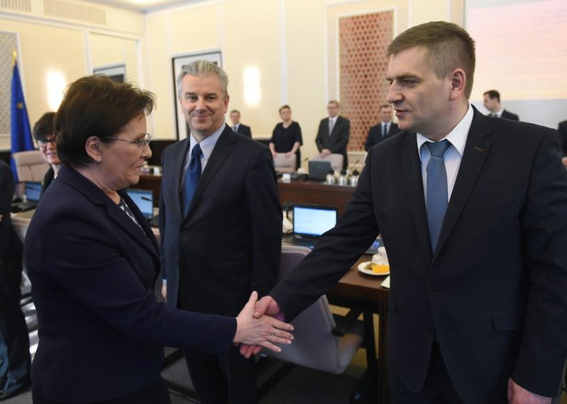 Ewa Kopacz i Bartosz Arłukowicz przed posiedzeniem rządu /Radek Pietruszka /PAP