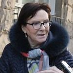 """Ewa Kopacz na zdjęciach z moskiewskiego prosektorium. """"Fotografii może być więcej"""""""