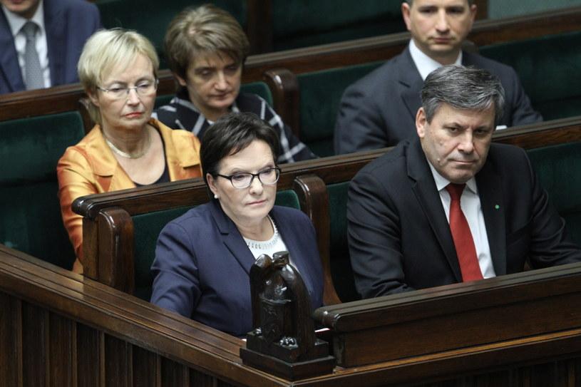 Ewa Kopacz po raz ostatni zasiadła na sali plenarnej w miejscu przeznaczonym dla premiera /Leszek Szymański /PAP