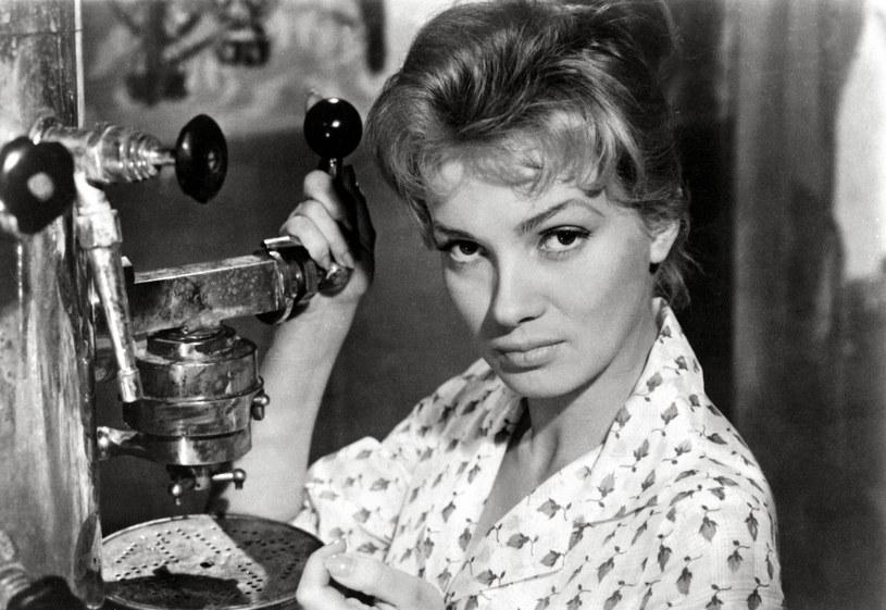 Ewa Krzyżewska była atrakcyjna i niezwykle utalentowana. Kiedy pojawiała się na ekranie, przyciągała spojrzenia widzów /Film polski/ Album Online /East News
