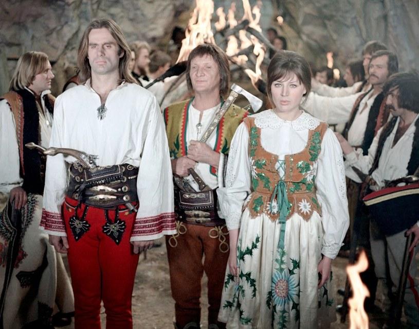 Ewa Lemańska, która grała narzeczoną Janosika (Marek Perepeczko), wspomina tę pracę, jak wspaniałe wakacje. /East News/POLFILM