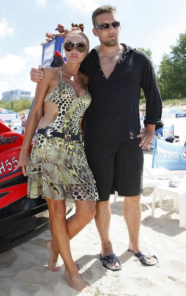 Ewa Minge z synem Oscarem /AKPA