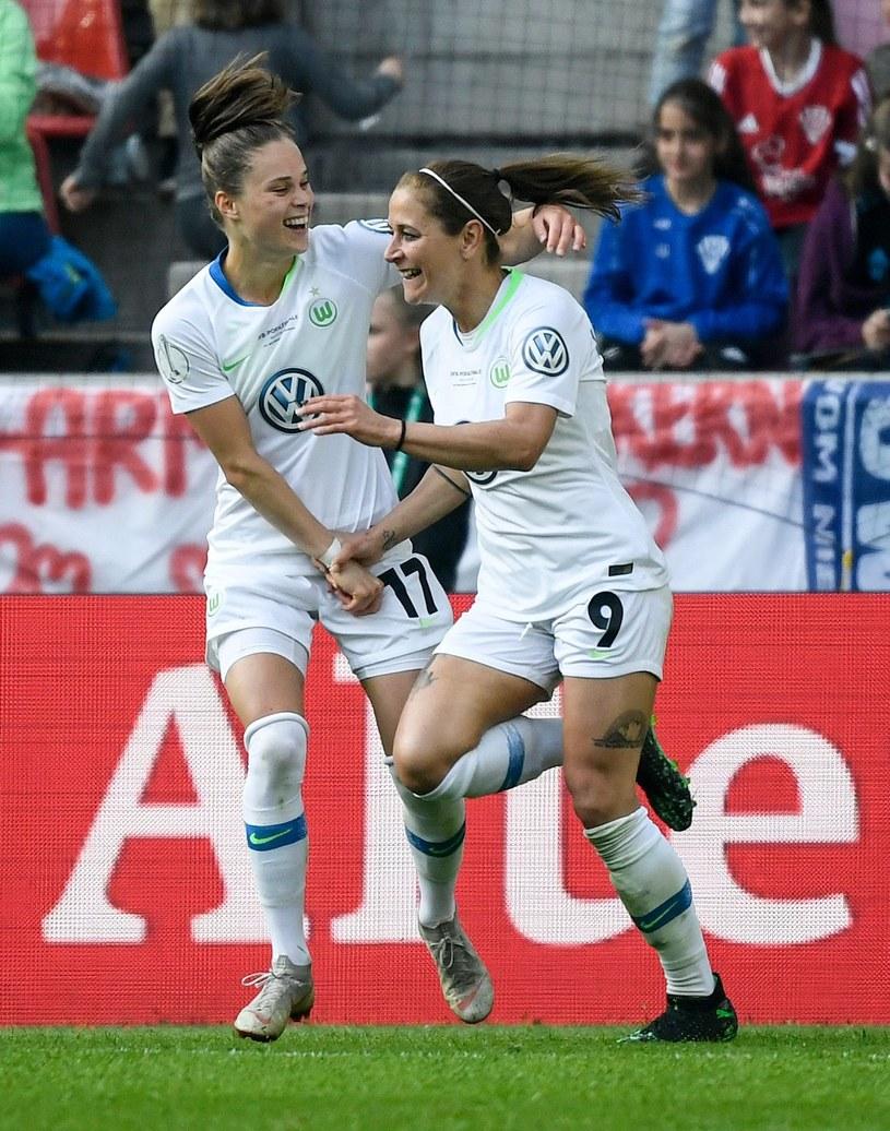 Ewa Pajor i Anna Blaesse /AFP