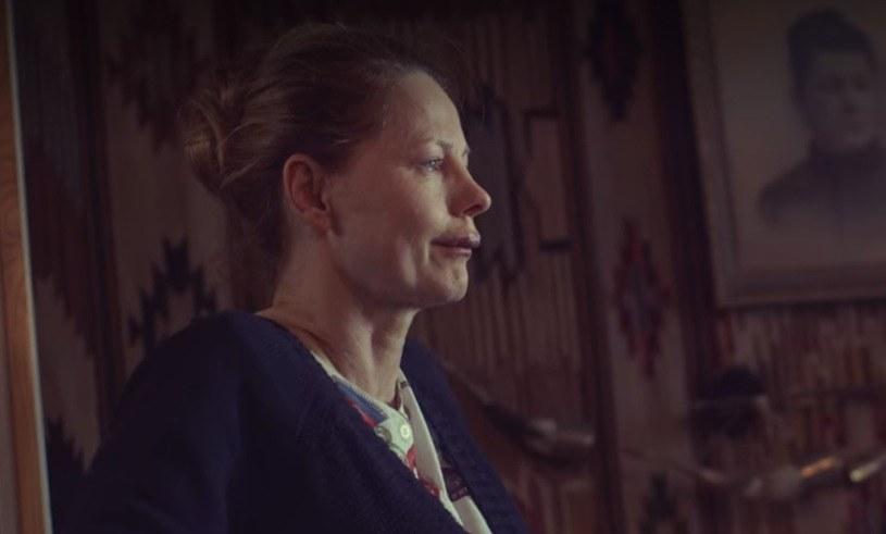 """Ewa Skibińska w serialu """"W głębi lasu""""/ screen z produkcji /Netflix /materiały prasowe"""
