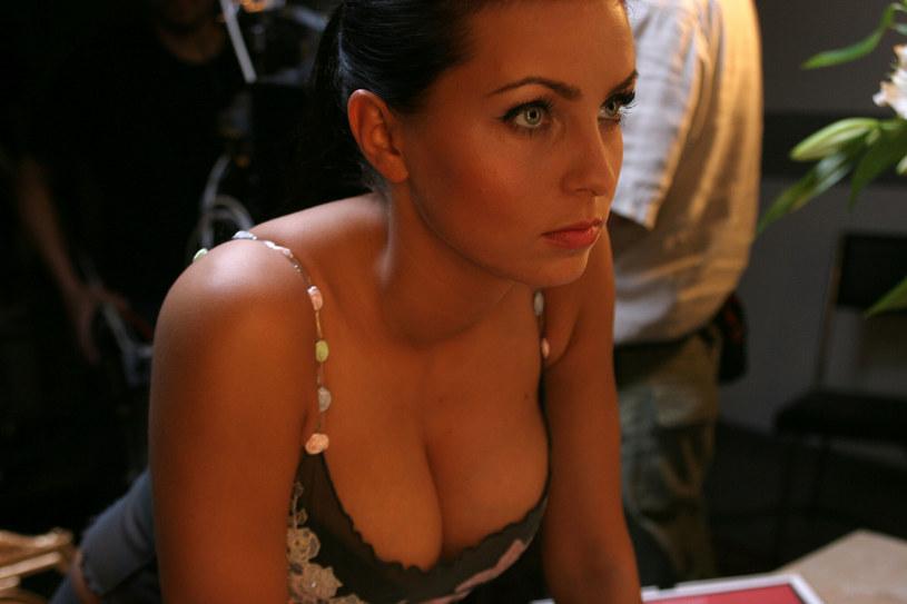 Ewa Sonnet od początku swojej kariery kusiła kobiecymi kształtami /MICHAL KOLYGA /Reporter