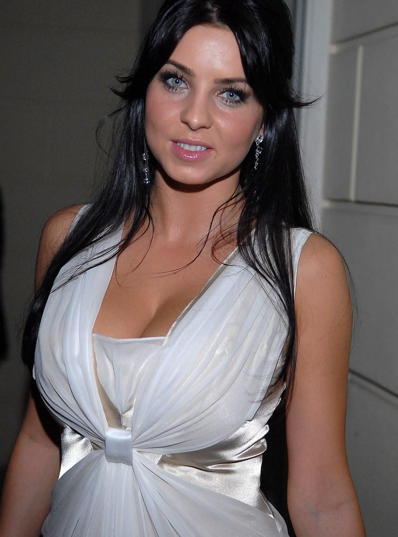 Ewa Sonnet pojawiła się w polskim show-biznesie w 2005 roku /Andras Szilagyi /MWMedia