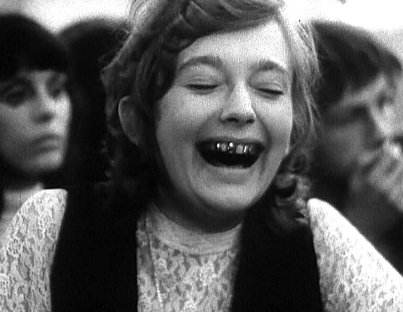 """Ewa Szykulska i jej okropne zęby w filmie """"Dziewczyny do wzięcia"""" /INPLUS /East News"""