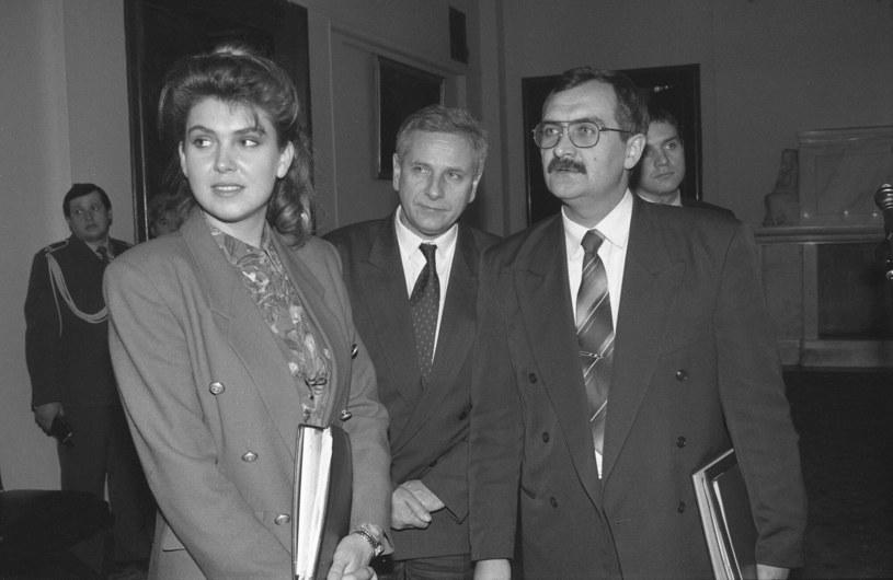 Ewa Wachowicz w 1993 roku w roli rzeczniczki prasowej rządu /Andrzej Marzec /East News