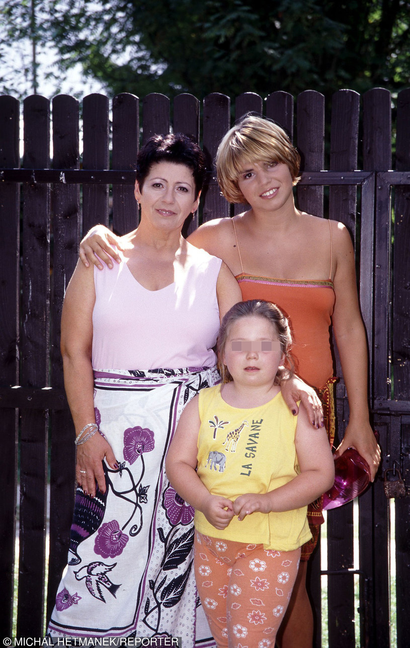 Ewa z córkami /Hetmanek /Reporter