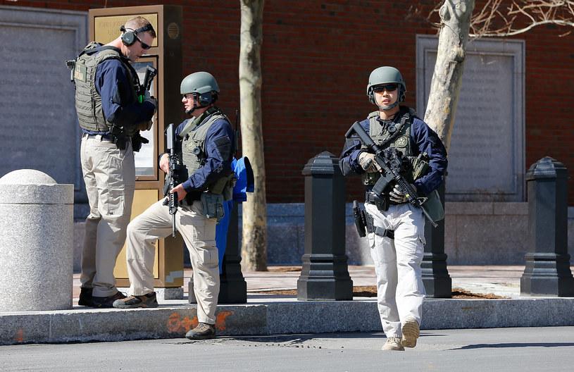 Ewakuacja budynku sądu w Bostonie /Jared Wickerham/Getty Images /AFP