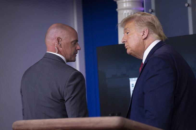 Ewakuacja Donalda Trumpa z sali konfeencyjnej / EPA/Stefani Reynolds /PAP
