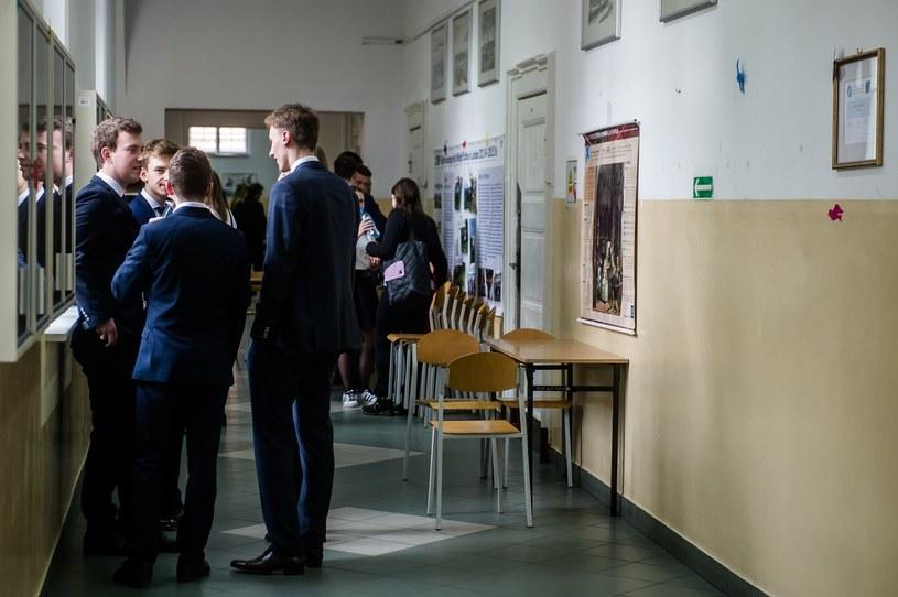 Ewakuacja dwóch szkół w Toruniu. Przerwano egzamin maturalny (zdj. ilustracyjne) /Mateusz Ochocki/KFP /Reporter