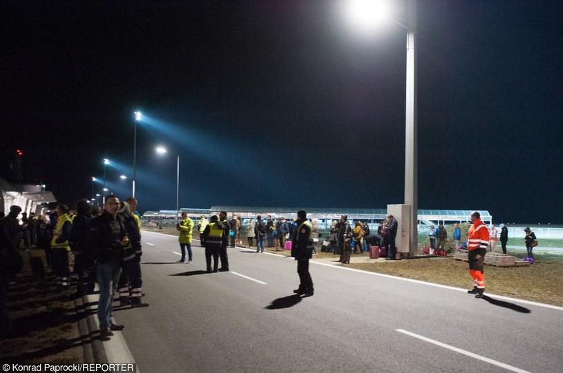 Ewakuacja lotniska w Modlinie /Konrad Paprocki /Reporter