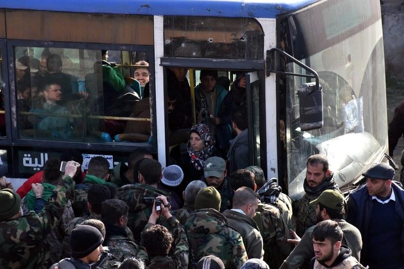 Ewakuacja mieszkańców Aleppo /PAP/EPA