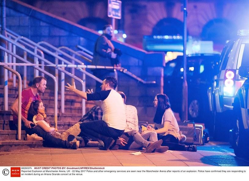 Ewakuacja po wybuchu w Manchester Arena. /Goodman/LNP/REX/Shutterstock /East News