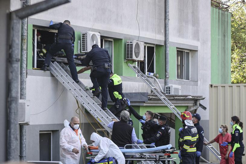 Ewakuacja szpitala w Rumunii /AP/Associated Press /East News