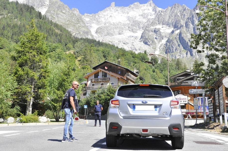 Ewakuacja w Dolinie Ferret we włoskich Alpach /THIERRY PRONESTI /PAP
