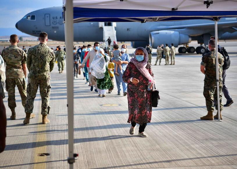 Ewakuowani z Afganistanu przybywających do NAS Sigonella w Sigonella we Włoszech/Zdj. ilustracyjne /NAS SIGONELLA PRESS OFFICE HANDOUT /PAP/EPA