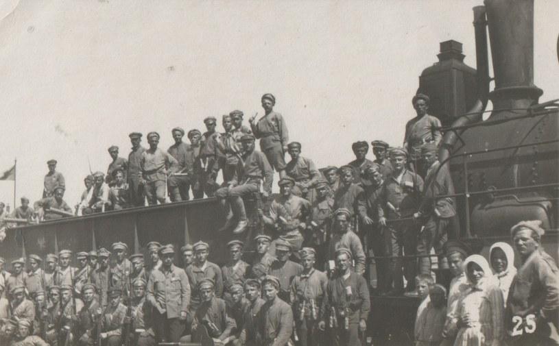 Ewakuujący się z Syberii żołnierze czechosłowaccy /Wikimedia Commons /INTERIA.PL/materiały prasowe