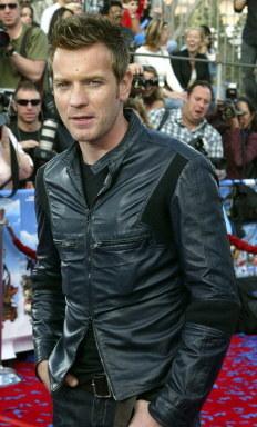 Ewan McGregor przywiózł z Mongolii córkę /AFP