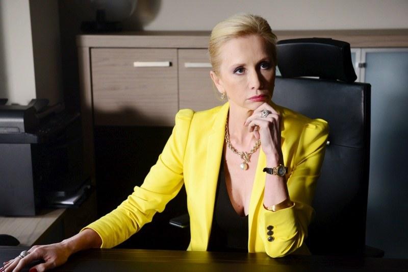 """Ewę Gawryluk zobaczymy w 12. odcinku 5. serii """"Komisarza Aleksa"""" jako Małgorzatę Wrzesińską – właścicielkę kliniki urody /Agencja W. Impact"""