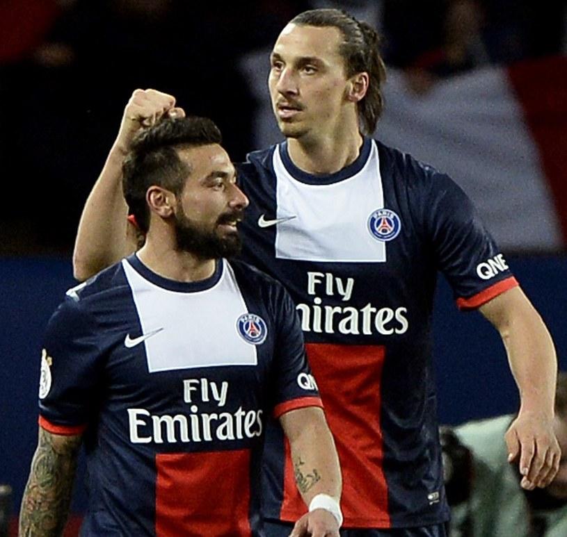 Ezequiel Lavezzi (z lewej) u boku Zlatana Ibrahimovicia /AFP