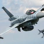 F-16 w powietrzu. Taki widok ma niewielu