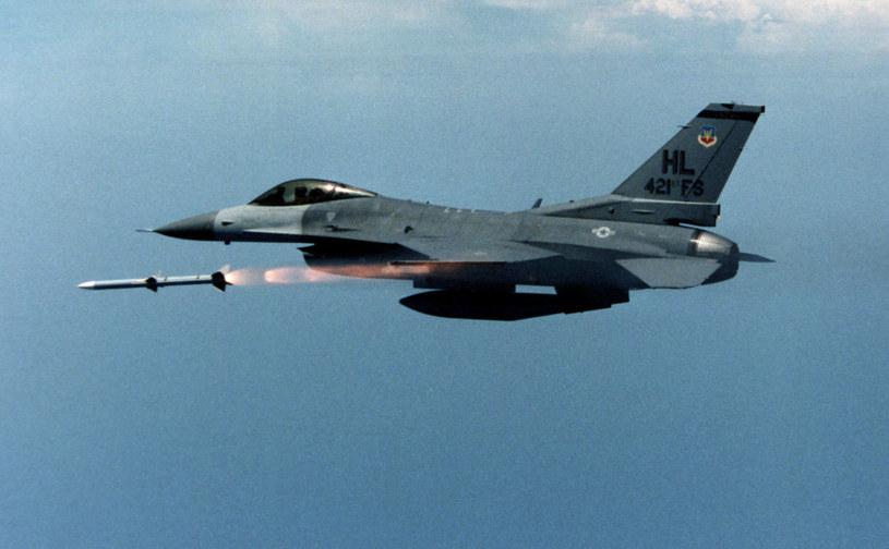 F-16 w tym roku kończy 40 lat. Wyjątkowość tej konstrukcji pozwala na niezliczenie wiele modyfikacji /Getty Images/Flash Press Media