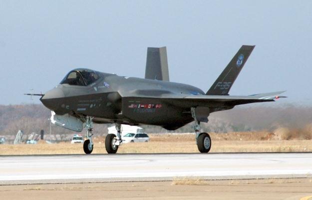F-35 powinien rozpocząć służbę w 2014 roku /AFP