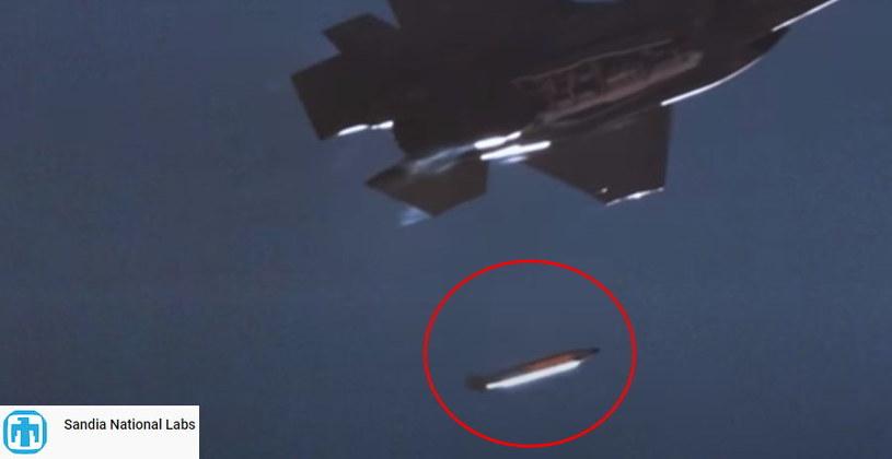 F-35 zrzuca bombę nuklearną /YouTube