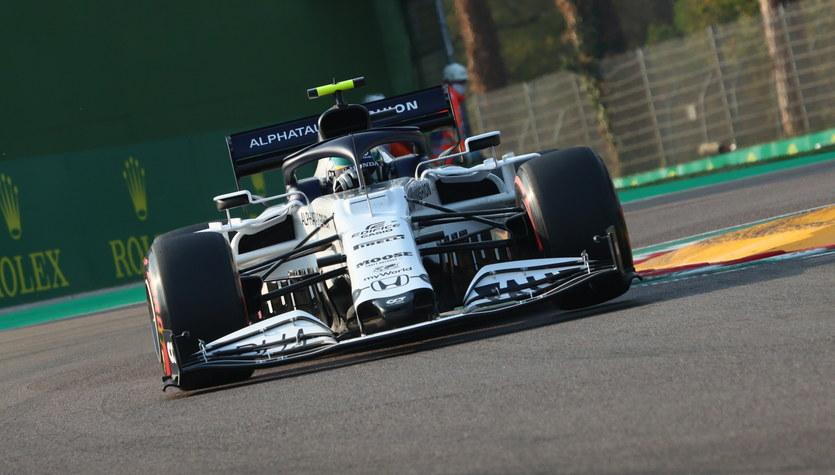 F1. Mercedes mrozi szampana