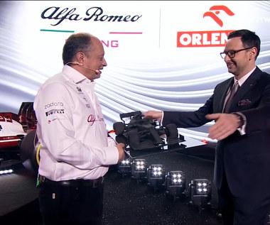 F1. Nowy bolid Alfa Romeo Racing Orlen. Niezapomniane chwile dla szefów zespołu i prezesa Orlenu (POLSAT SPORT). Wideo