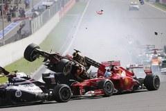 F1: Pechowy start GP Belgii, stłuczka tuż po starcie