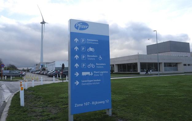 Fabryka Pfizera w Puurs /OLIVIER HOSLET /PAP/EPA
