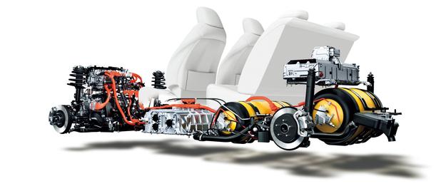 """""""Fabryka prądu"""", czyli ogniwo wodorowe, umieszczono pod fotelami. Pod kanapą jest pierwsza butla z wodorem, druga jest w bagażniku. /Motor"""