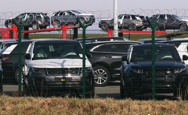 Fabryki Jaguara i Land Rovera sprowadzają części z Chin... w walizkach