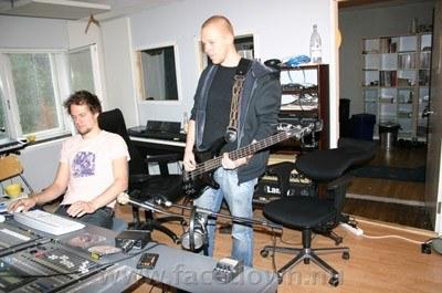 Face Down w studiu /Oficjalna strona zespołu